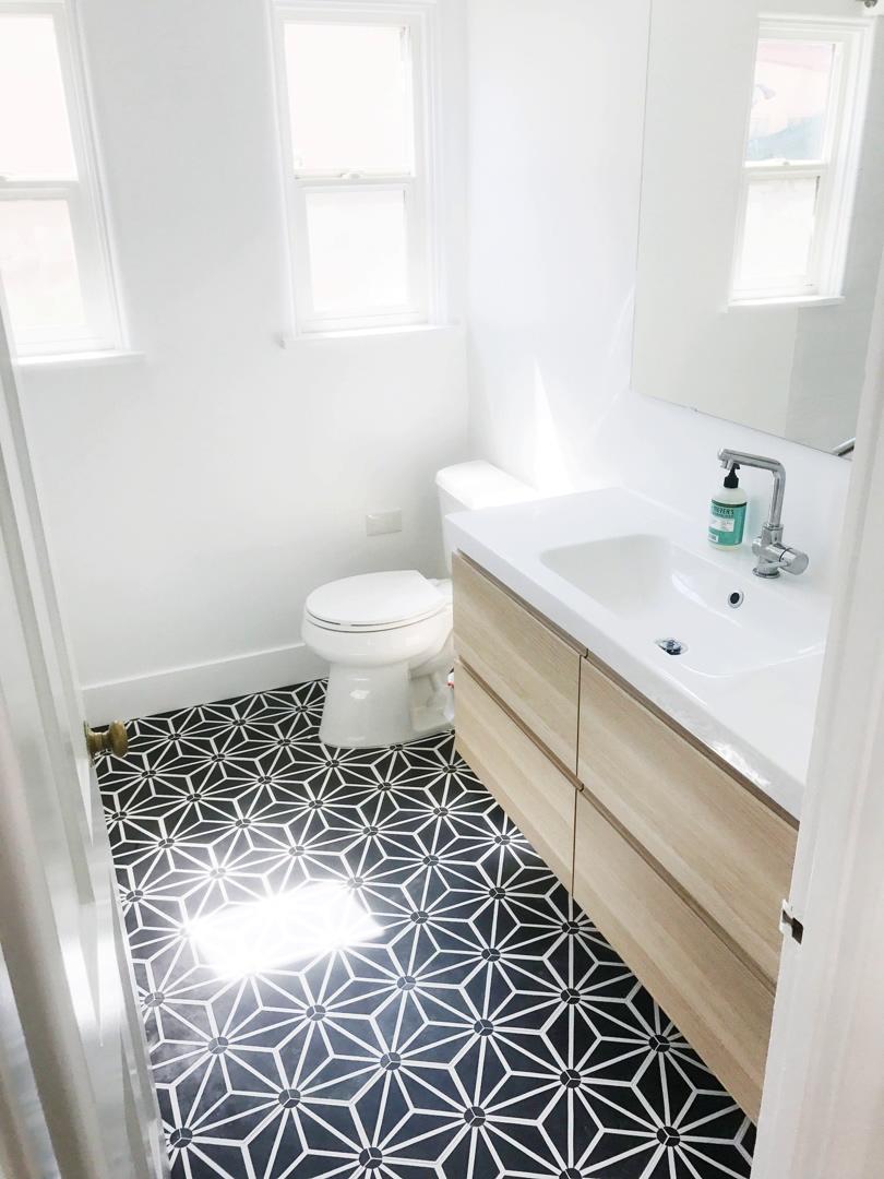 Tayler Jonker - Bathroom 1